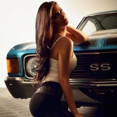 girl-racers-cool-cars-4556
