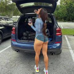 girls and cars 51000009