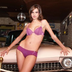 klassik_car_girl_60003323