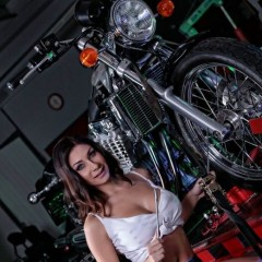 motorbike service babes girl 410555