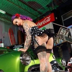 pin up lowrider girl 3011