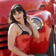 lelalo old car brunette 2276976