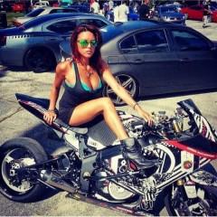 girls_and_bikes_14