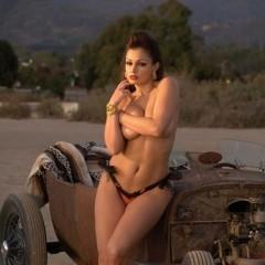 aria-car-girls1